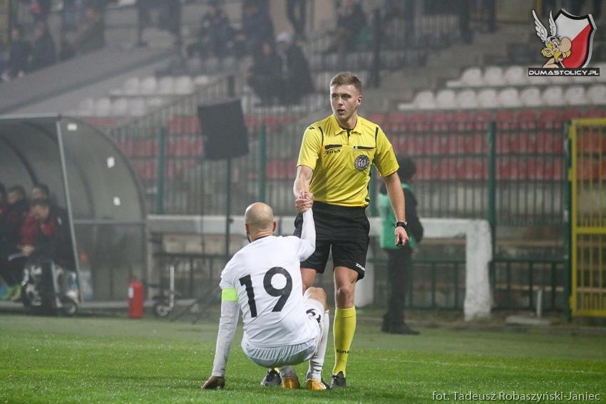 sędzia Bartosz Banasiak i Grzegorz Wojdyga